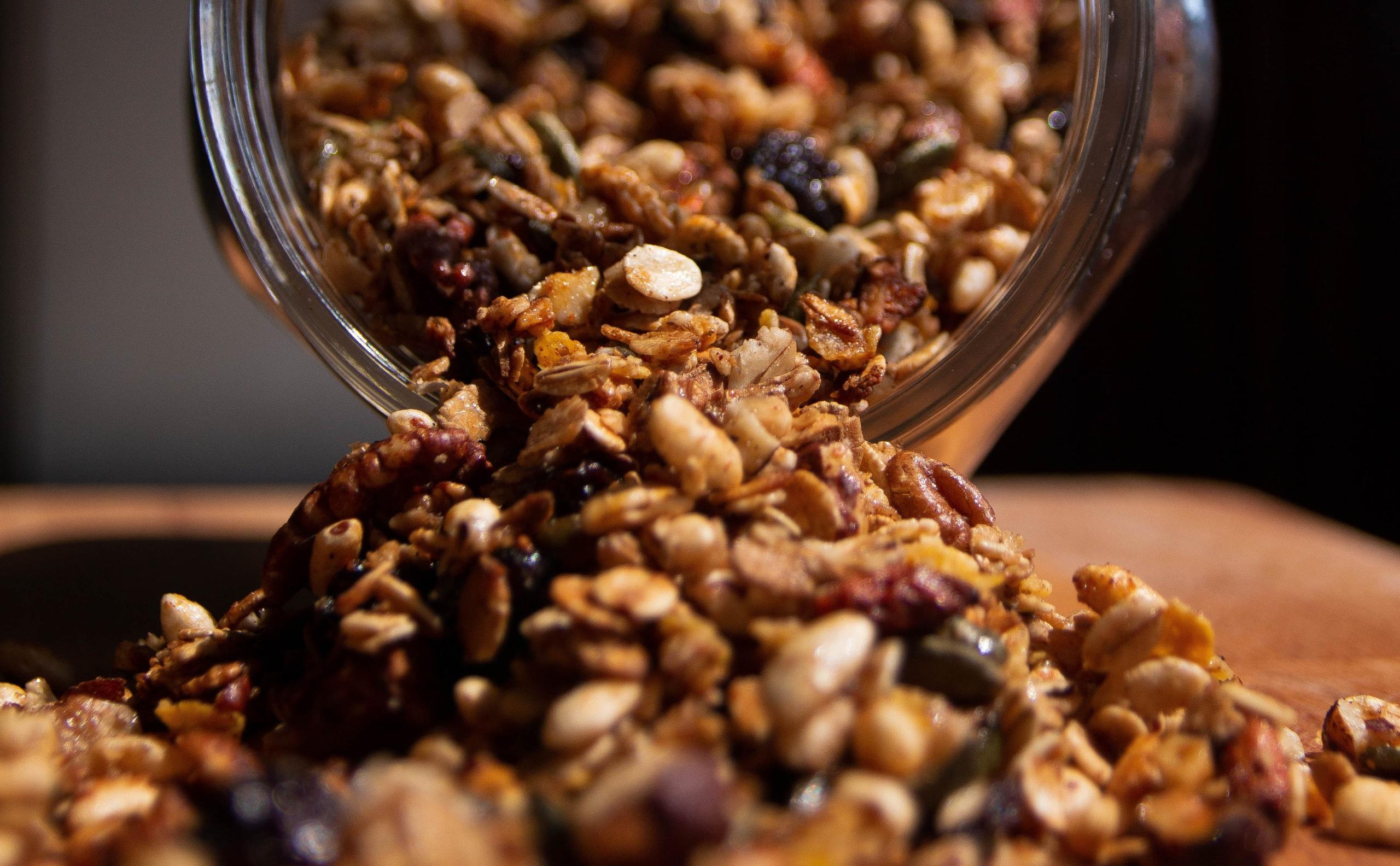 Granola - Das steckt hinter der Getreidemahlzeit